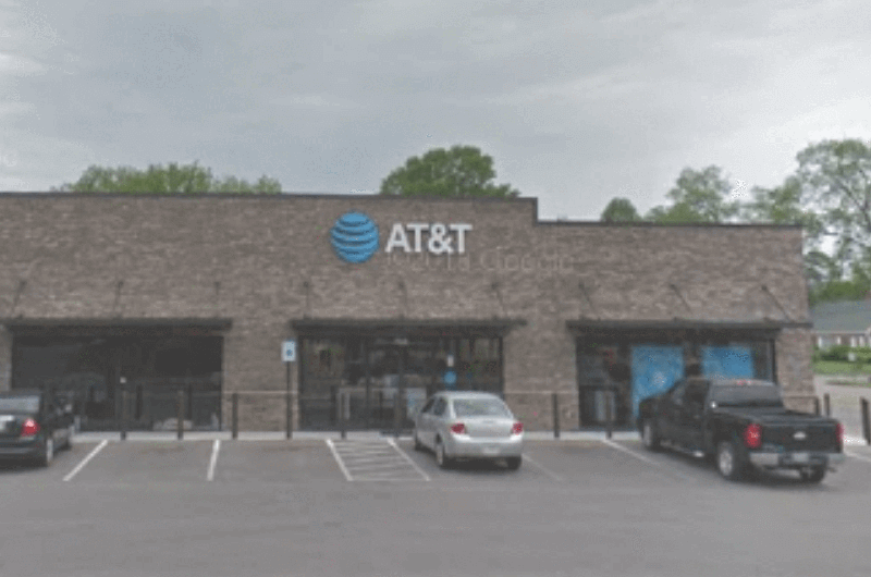 AT&T Bolivar store front.