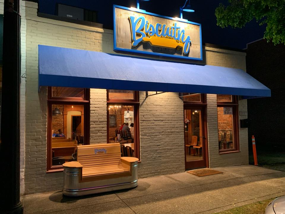 Picture of store front of Biscuitry.